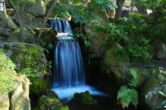 瀑布在Hakusan公园 免版税库存图片