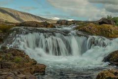 瀑布在Hvalfjord冰岛 免版税库存图片