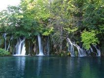 瀑布在Plitvice湖国立公园在克罗地亚 免版税图库摄影