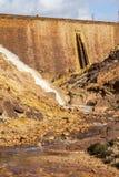 瀑布在Riotinto开采的地区,安大路西亚,西班牙 免版税库存照片