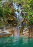 瀑布在Tolantongo Grutas Tolantongo,绅士 墨西哥 免版税库存图片