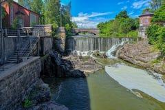 瀑布在Vanhankaupunginkoski,赫尔辛基 免版税库存图片