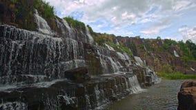 瀑布小瀑布步Panagarh接近的看法在越南 影视素材