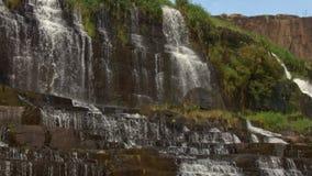 瀑布小瀑布步Panagarh特写镜头在越南 影视素材