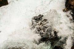 瀑布岩石 库存图片