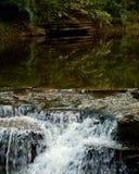 瀑布幽谷 图库摄影