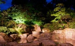 瀑布日本人庭院 免版税库存照片
