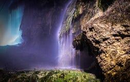 瀑布用热量水 免版税图库摄影