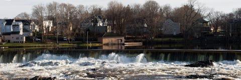 瀑布的全景图片在洛厄尔 库存照片