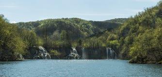 瀑布的全景 免版税库存照片