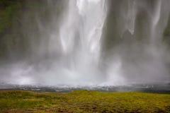 瀑布背景 库存图片