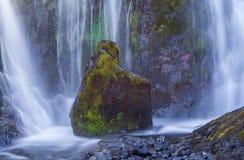 瀑布,冰岛 库存照片