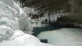 冻瀑布,在湖路易斯银行的班夫约翰斯顿峡谷  图库摄影