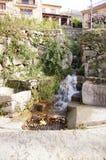 瀑布水槽和来源在吉霍 免版税库存照片