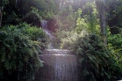 瀑布水池风景 免版税库存图片