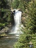 瀑布从远方 库存照片
