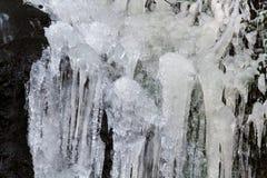 冻瀑布 免版税库存照片
