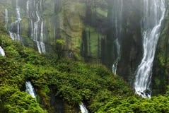 瀑布abbove在flores的lagoa das patos 库存图片