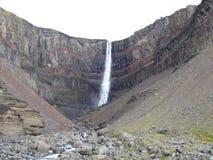 瀑布Hengifoss 免版税库存照片