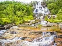 瀑布Tvindefossen,挪威 库存图片