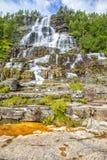 瀑布Tvindefossen,挪威 免版税图库摄影