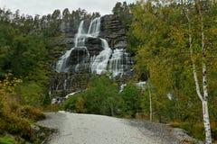 瀑布Tvindefossen 库存照片