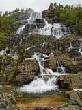 瀑布Tvindefossen 图库摄影