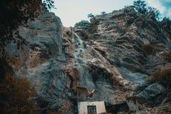 瀑布Uchalu su在克里米亚 免版税图库摄影