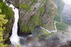 瀑布Voringfossen,挪威 免版税图库摄影