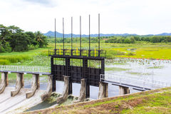 灌溉的水闸 免版税库存照片