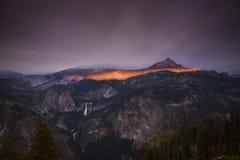火光环在优胜美地国家公园的 免版税库存图片