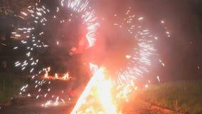 火展示在晚上在户外夏天 影视素材