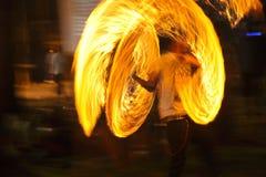 火展示火展示桔子火焰 免版税图库摄影