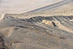 火山口地质横向岩石 免版税库存照片