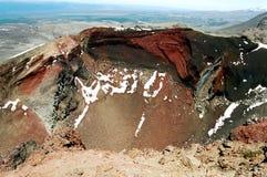火山口新的红色火山西兰 库存图片