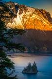 火山口海岛湖俄勒冈虚拟船 图库摄影