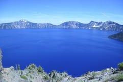 火山口湖在俄勒冈,美国 图库摄影