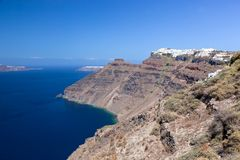 破火山口的最高的峭壁的Imerovigli镇,圣托里尼海岛,希腊 免版税图库摄影