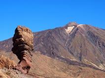 火山和岩层在teide国家公园在特内里费岛 免版税图库摄影