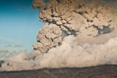 火山灰的云彩 库存照片