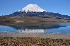 火山的反映 免版税库存图片