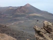 火山的小山在兰萨罗特岛,加那利群岛 库存照片