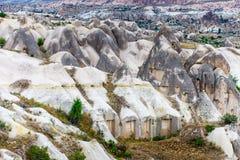 火山的山在Goreme国家公园 cappadocia 库存图片