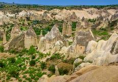 火山的山在Goreme国家公园 cappadocia 免版税库存照片