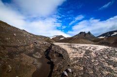 火山的横向 阿瓦恰火山火山-堪察加半岛活火山  俄罗斯,远东 免版税图库摄影