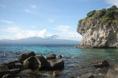 火山的海岛 免版税库存照片