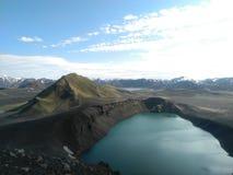 火山的湖 库存图片