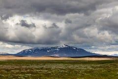 火山的风景-石头和灰荒原 免版税图库摄影