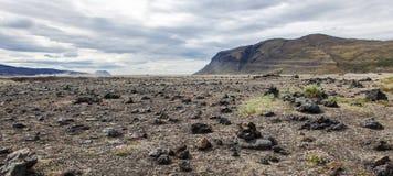 火山的风景-石头和灰荒原 库存图片