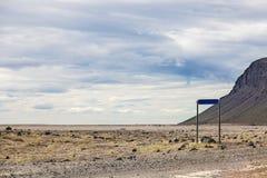 火山的风景-石头和灰荒原 免版税库存照片